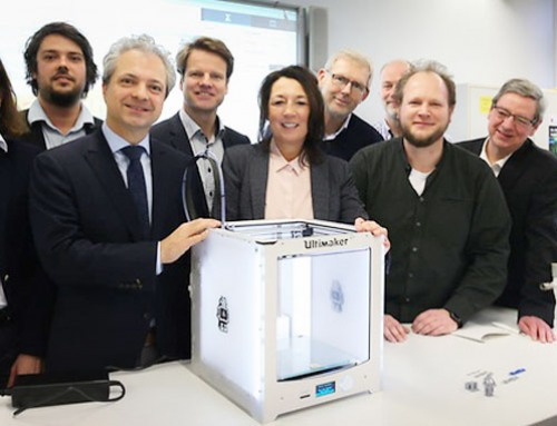 Hamburger Unternehmer schenken Schulen 3D-Drucker